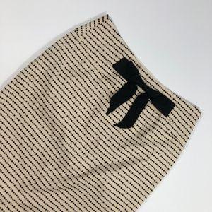 Forever 21 Tan & Black Bow Pencil Skirt